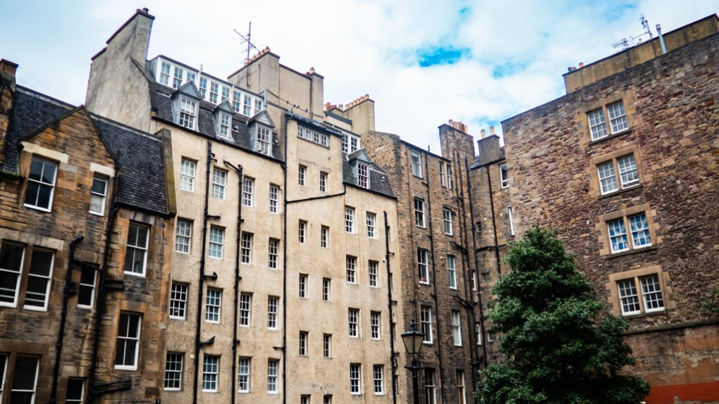 Houses in Edinburgh Old Town