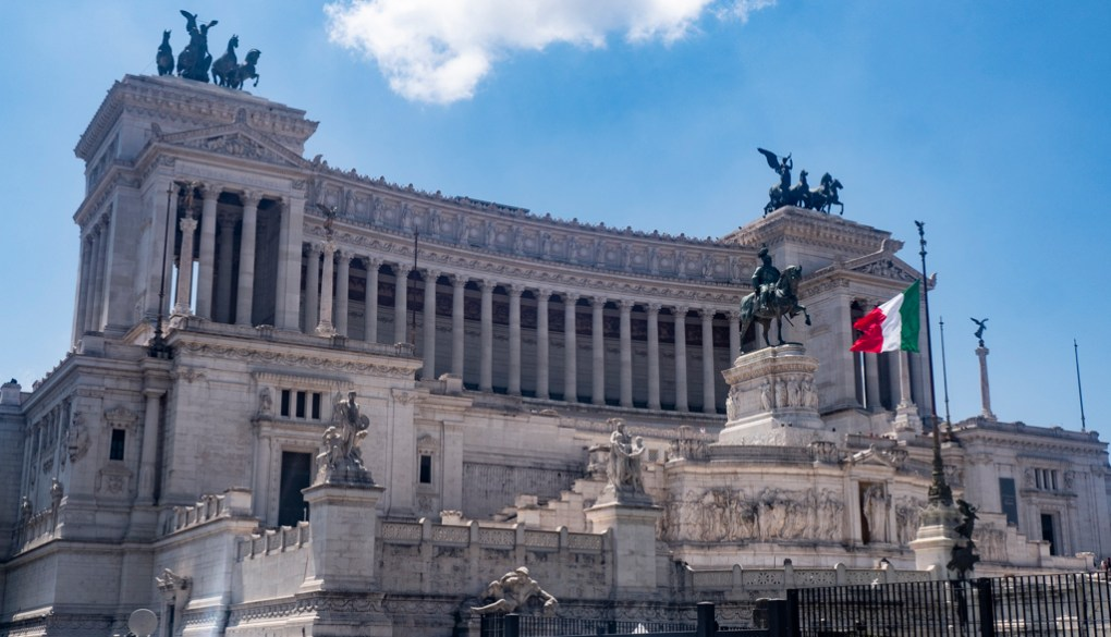 Piazza Venezia, a To Rome with Love filming location