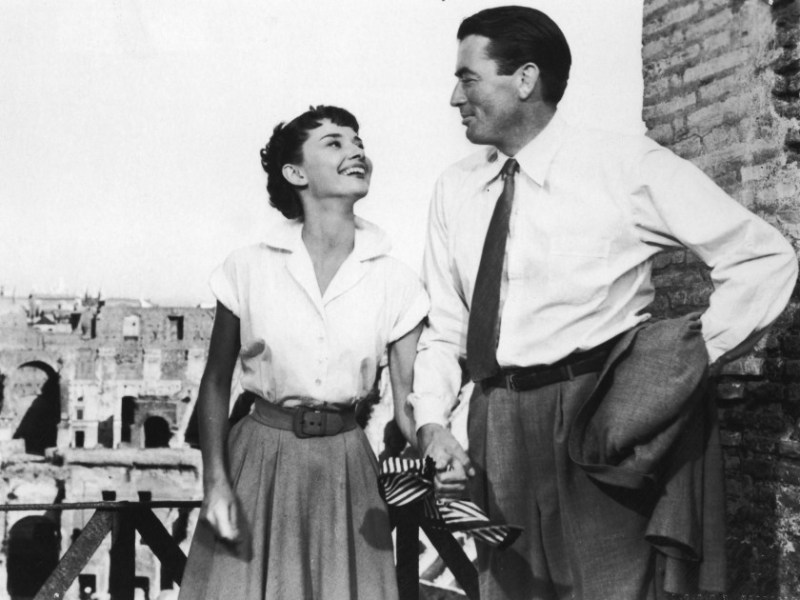 Anne and Joe at the Colosseum, Rome in Roman Holiday (1953)