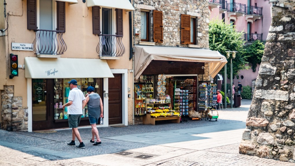 Sirmione day trip on Lake Garda, Italy