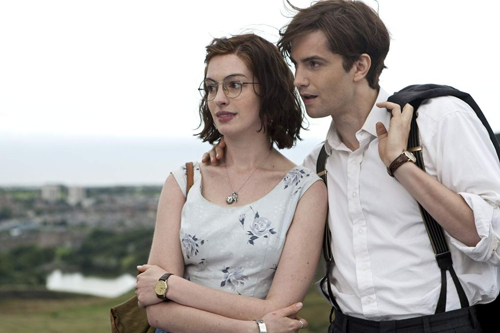 Emma and Dexter on top of Arthur's Hill in One Day (2011)