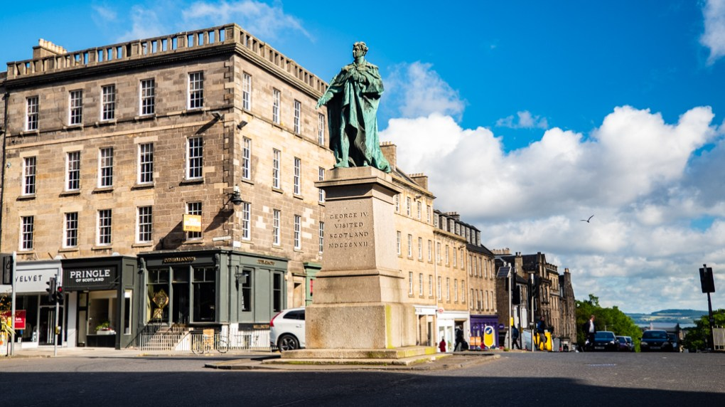 King George IV Statue on Hanover Street and George Street, a Sunshine on Leith (2013) filming location