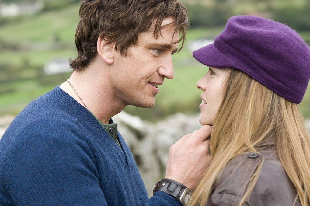 Gerry kissing Holly in Lackan, Ireland | P.S. I Love You Filming Locations