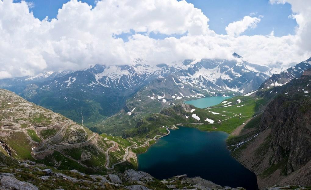 Lake Serrù in the Italian Alps