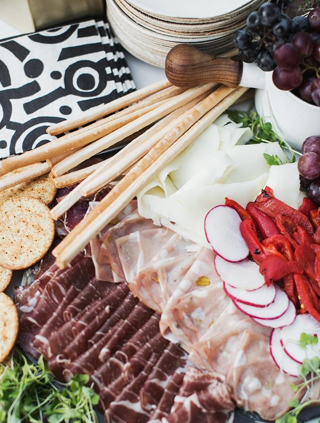 how to create an epic charcuterie table