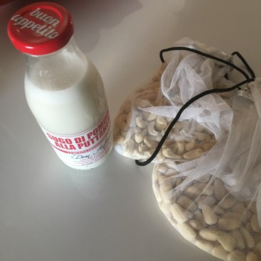 Making cashew milk - one of the more surprisingly simple zero waste DIY alternatives!
