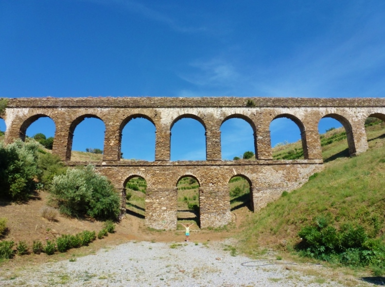 Things To Do In Almuñécar Spain! - Including local activities, day trips, outdoors, Almunecar beaches and more. This is the Roman Aqueduct Rio Seco Near Santa Cruz Resort