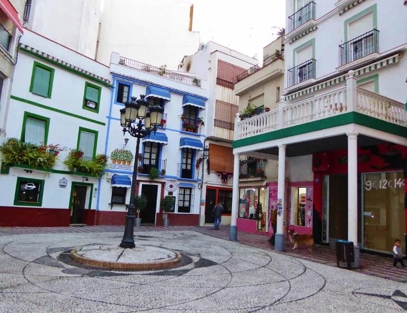 Plaza de la Rosa Almunecar restaurante los Geraneos