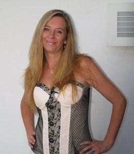 Elle - Author Bio Photo