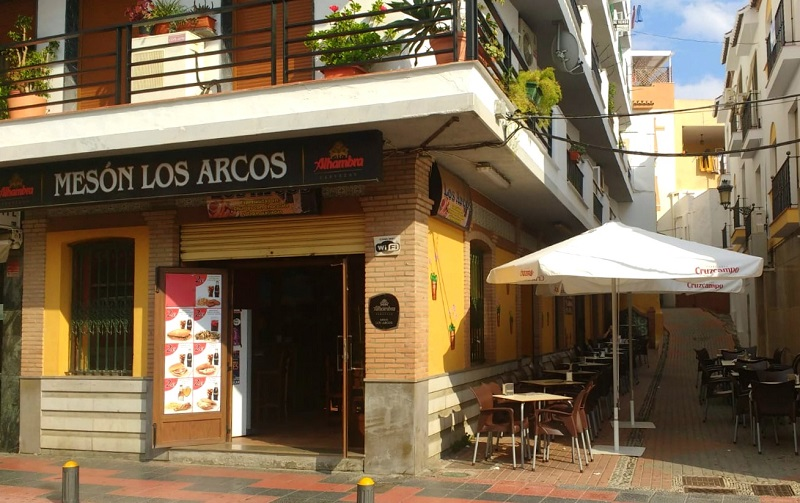 Mesón Los Arcos Almunecar - Vegetarian friendly restaurant, you choose your tapa
