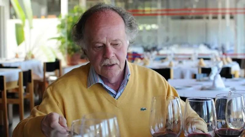 "Antonio de la Casa has been a main factor in the recent ""wine revolution"" in the Granada province. He was a oenologist consultant for Calvente, Muñana and Senorio de Nevada when they started in the 90's. Since 2005 has been working with Bodegas Fontedei."