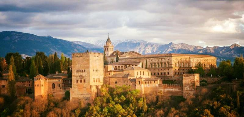 Granada and the Alhambra Enjoy one of these bus tours from Almuñécar.  With amazing day excursions to choose from, as well as a guided tour when you arrive or explore on your own.