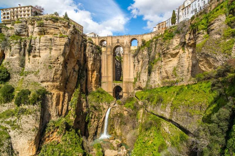 Ronda day trip - Enjoy one of these bus tours from Almuñécar.  With amazing day excursions to choose from, as well as a guided tour when you arrive or explore on your own.