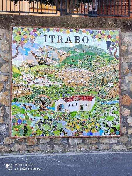 Itrabo Mosaic wall -Rachel Adams photo. Read more on Almunecarinfo.com
