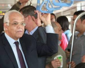 """وزير النقل لـ""""سائقى المترو"""": ظروف البلد صعبة.. وسأرفع مرتباتكم بعد زيادة سعر التذكرة"""