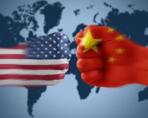 الدولار يسجل هبوطا على خلفية الحرب التجارية