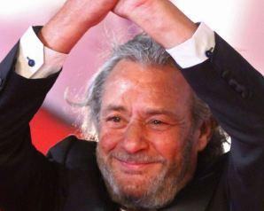 وفاة الفنان فاروق الفيشاوى بعد صراع مع السرطان