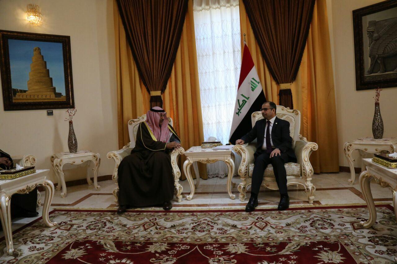 الجبوري ونائب رئيس وزراء الكويت يبحثان دعم العراق امنيا واغاثيا
