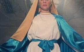 """عادل ماضى : شيرين رضا  جسدت رمزا دينيا دون الرجوع للكنيسة و"""" قهوة بايتة"""" جملة لا تليق بصورة السيدة العذراء"""