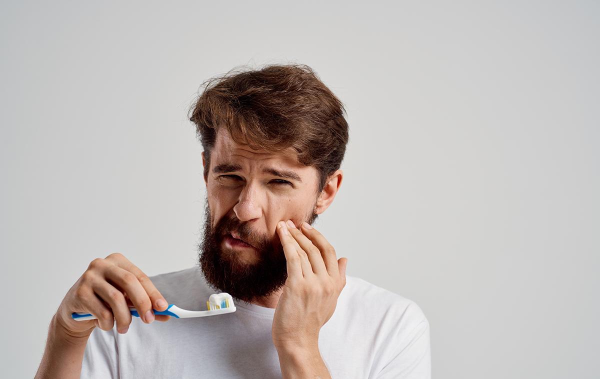 gingivite : cause, symptôme, traitement naturel