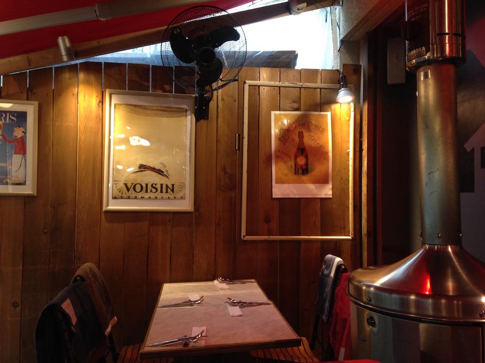 神楽坂のフランス料理店(メゾン・ド・ラ・ブルゴーニュ)店内