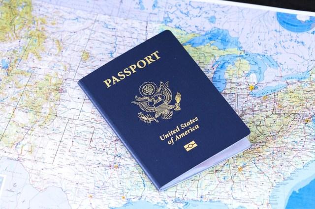 ハワイ旅行の持ち物(チェックリスト・パスポート)