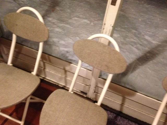 函館のグルメ(うにむらかみ・待つ椅子)