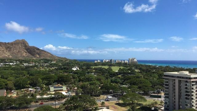 購入したハワイのコンドミニアムからの景色