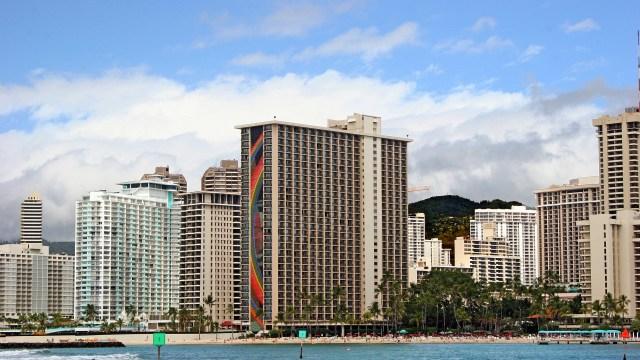 ヒルトンハワイアンビレッジホテル レインボータワー