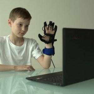 Anika rehab Glove_3