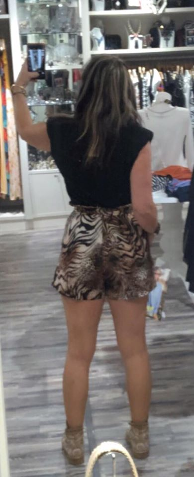 shorts animal print aloha