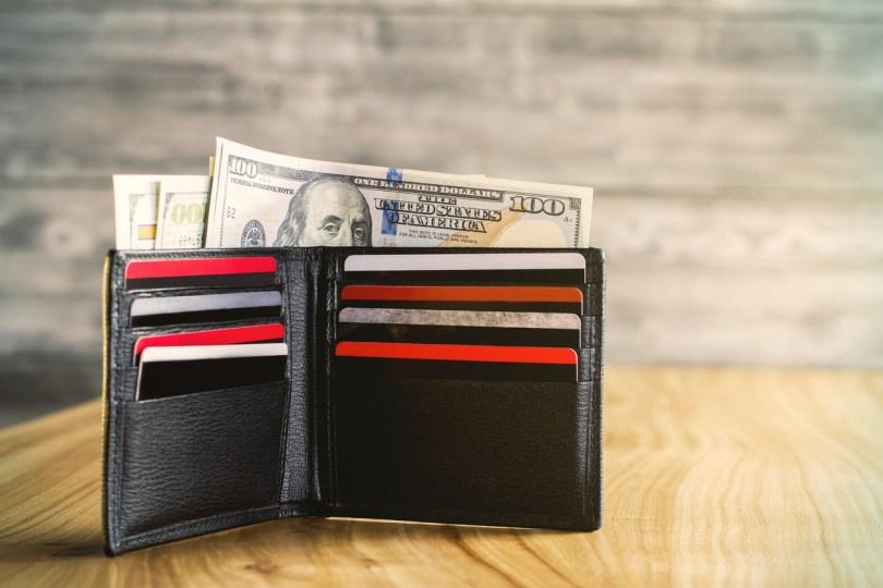 財布(現金・クレジットカード)
