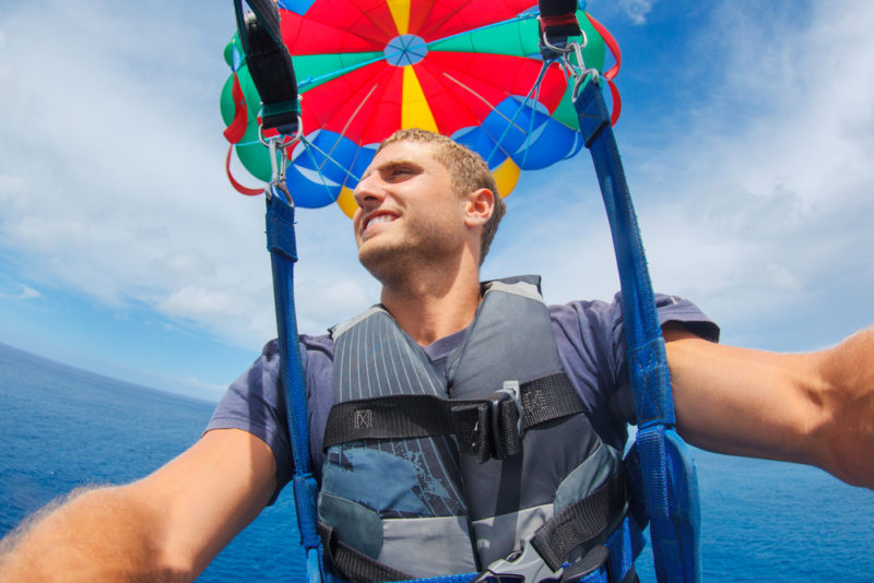150 Things To Do On Oahu - Parasail