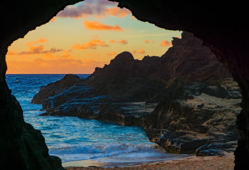 150 Things To Do On Oahu - Stand in a lava tube.