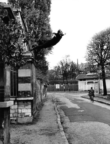 Yves Klein Le Saut dans la vide Artistic action: Fontenay-aux-Roses, October 23, 1960 Photo Shunk-Kender ©Yves Klein, ADAGP, Paris Photo © Roy Lichtenstein Foundation Use Limited To Press For The Roy Lichtenstein Foundation Press Release of October 4, 2008