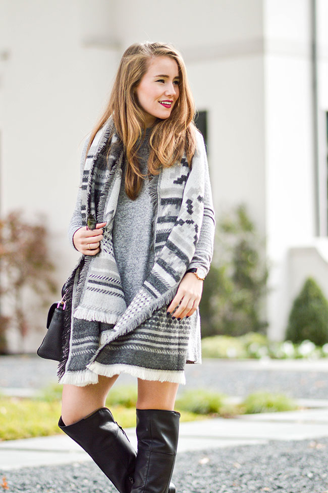 grey blanket scarf, southern girl, texas blogger, tory burch 797 satchel, black raybans
