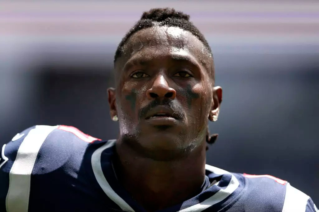 Antonio Brown wants back on the Patriots: 'Let me earn it'
