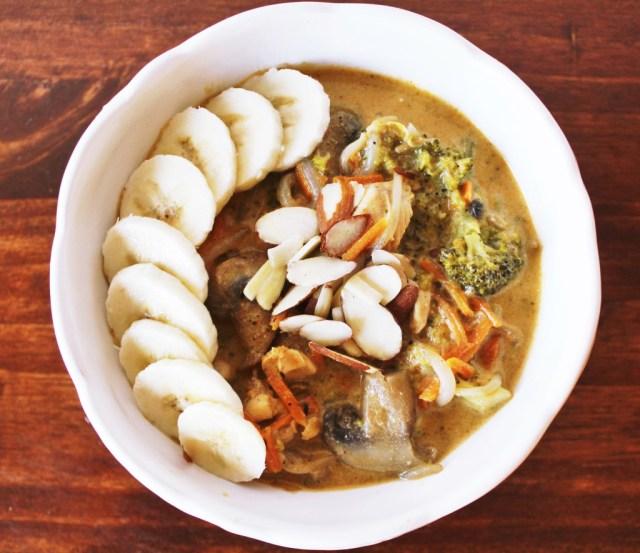 Organic chicken coconut curry recipe via A Lo Profile (www.aloprofile.com)