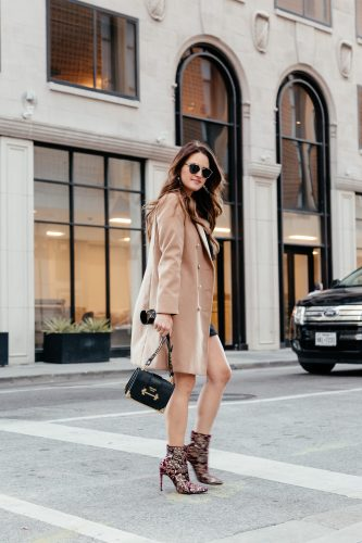 Two Ways to style statement shoes + twenty of my favorites for this season via A Lo Profile.