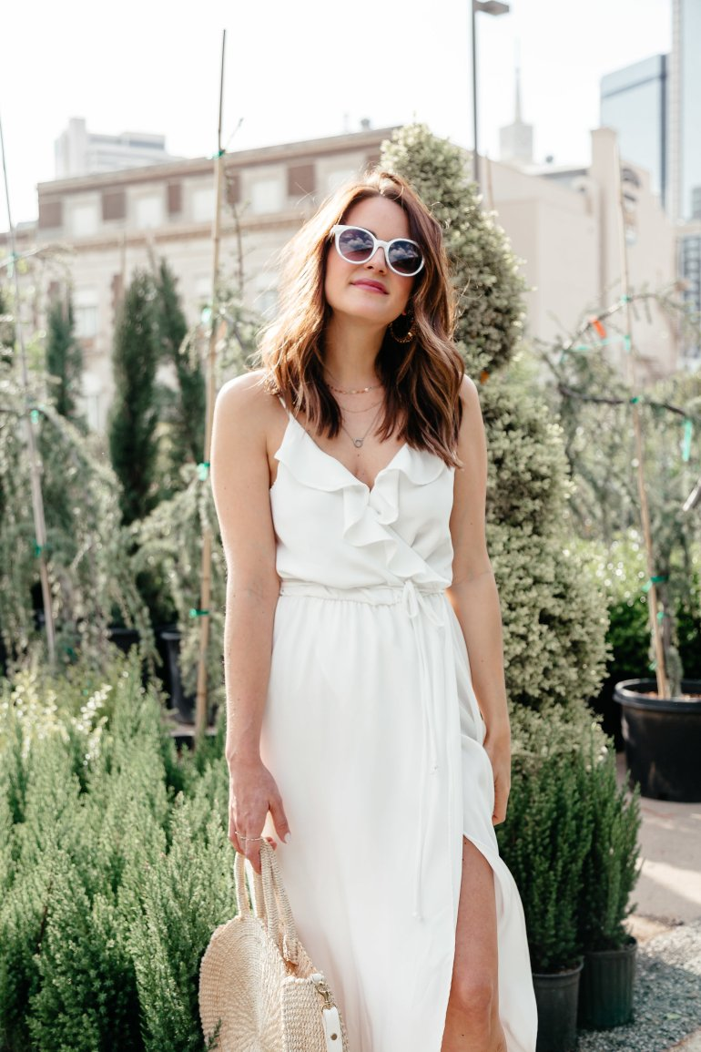 White Dresses for Spring: Dallas blogger sharing a gorgeous white maxi dress and a round up of tons of cute short and long white dresses for spring and summer. #whitedress #whitemaxi #springstyle #springdresses