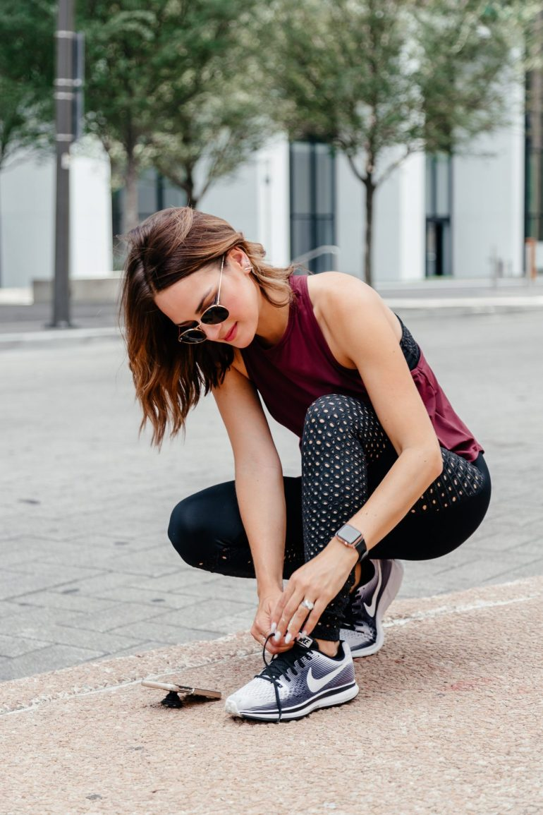 Sharing a roundup of the cutest fall workout clothes and activewear in my fall athelisure guide including sports bras, leggings, shoes, and more.