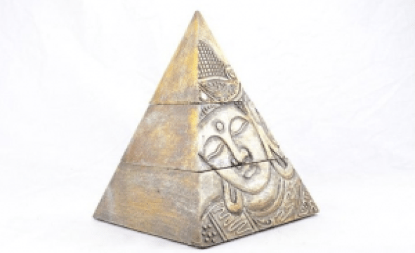 pyramide boudhiste