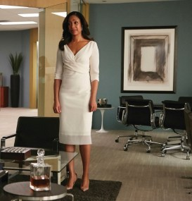 """SUITS -- """"We're Done"""" Episode 407 -- Pictured: (l-r) Gabriel Macht as Harvey Specter, Gina Torres as Jessica Pearson -- (Photo by: Ian Watson/USA Network)"""
