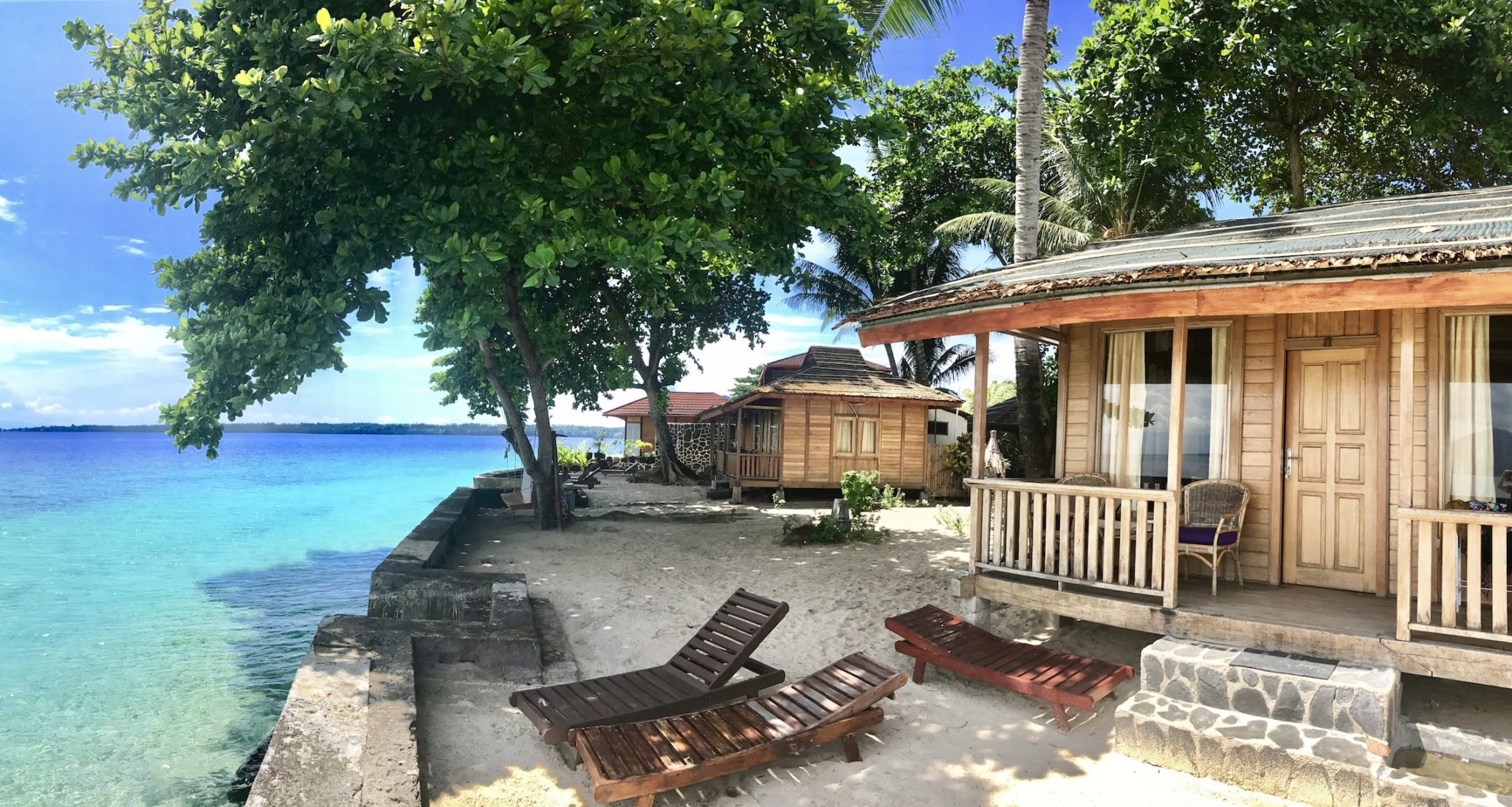 A Lovely Planet - North Sulawesi - Sarah & James - Onong Resort