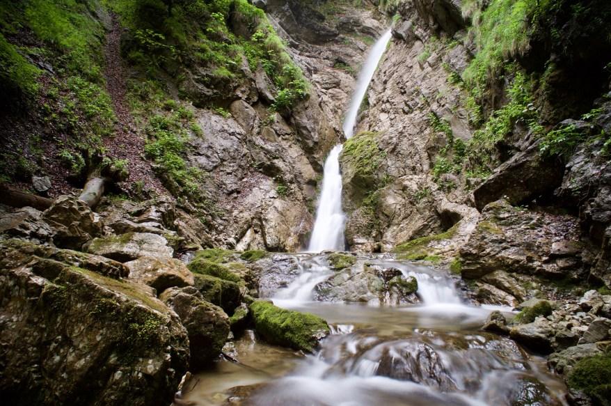 Wasserfall in Berg ©Gipfelfieber.com