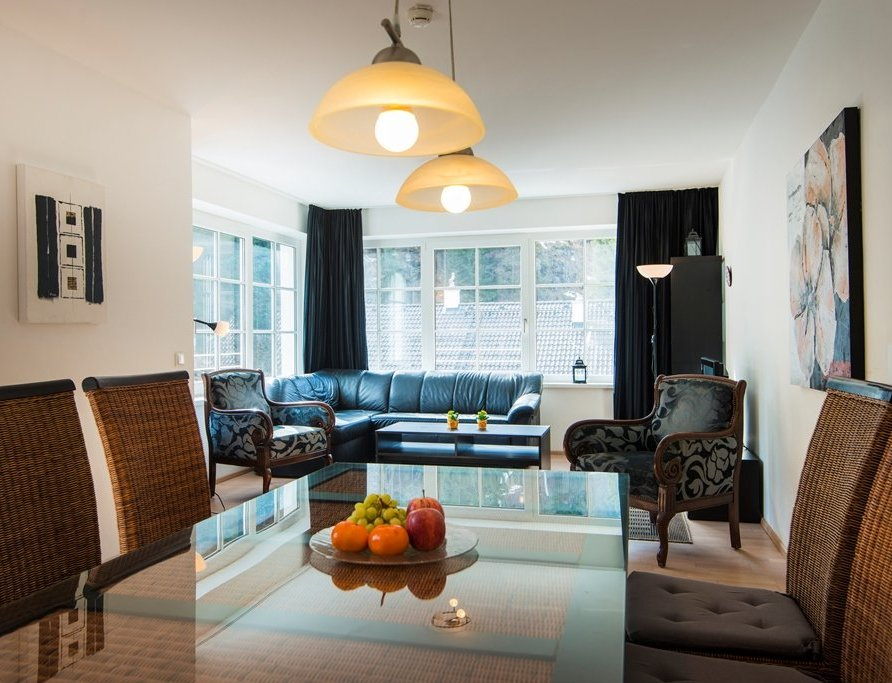 Three-bedroom apartment – (SW3)