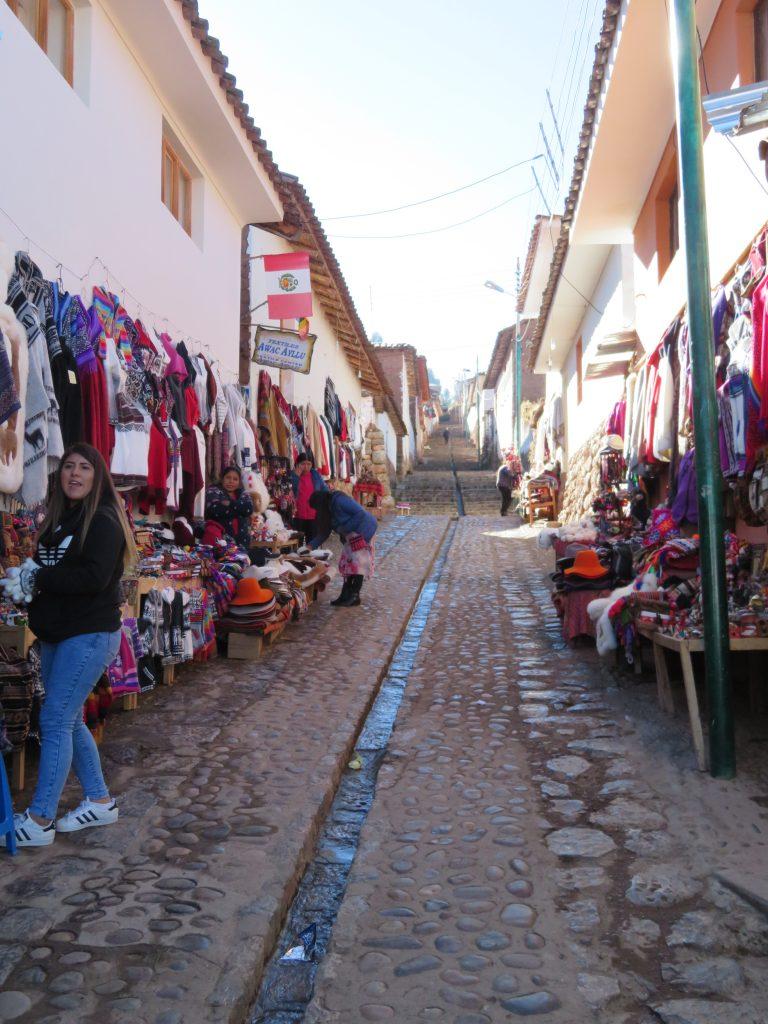 Guide to Peru's Sacred Valley | Chinchero Market