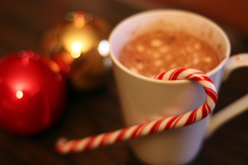 cocoa-stirrer_8-tasty-uses-for-candy-canes
