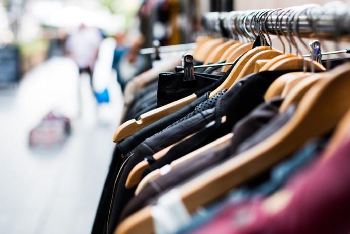 6 Popular Promo Apparel Trends That Got Their Start in Retail
