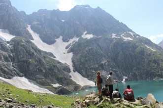 Kashmir durinar lakes trek